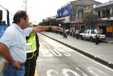 Agente de tránsito que conducía ebrio estaba investigado