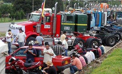 Camioneros bloquearon la vía Cali – Buenaventura
