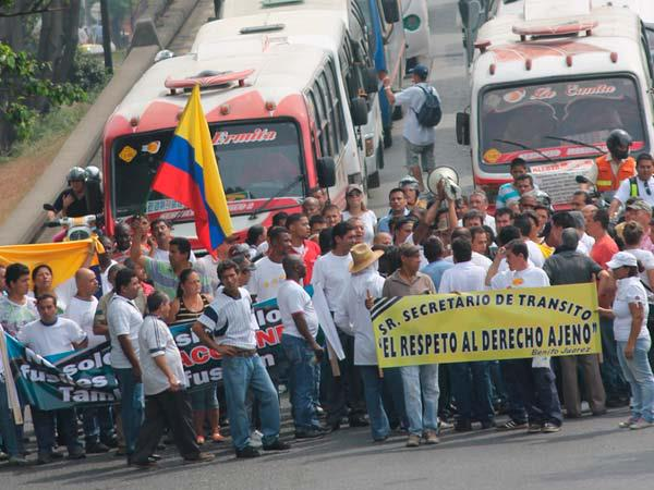 Transportadores protestan por 'motorratones' en Jamundí