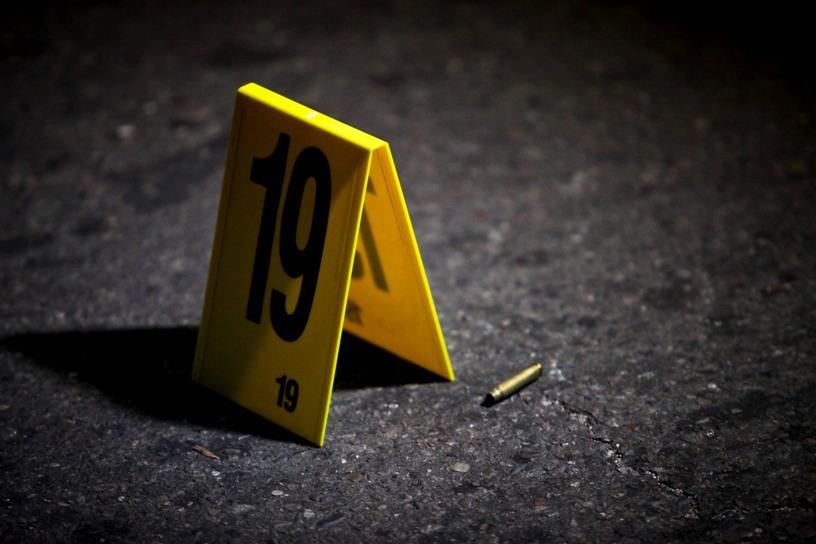 Policía se salvó de morir cuando un disparo dio en su casco