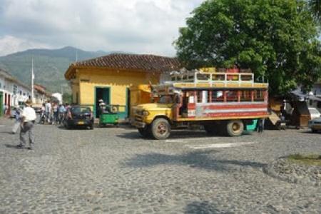 Desactivado automotor con explosivos en zona rural de Palmira