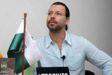 Dejan en libertad 14 investigados por paramilitarismo