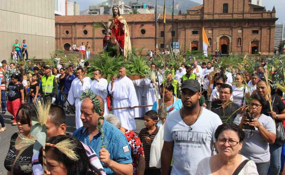 Caleños viven con fe las actividades de la 'Semana Mayor'