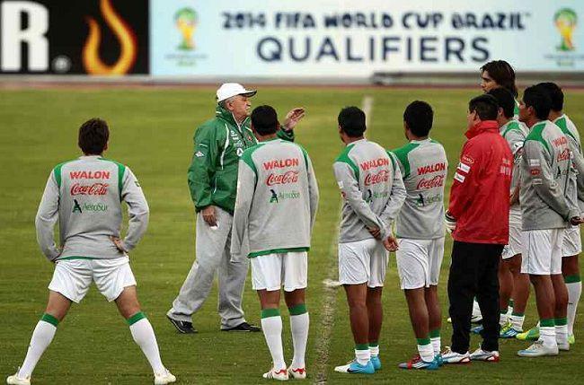 Bolivia ya convocó a sus jugadores para el partido ante Colombia