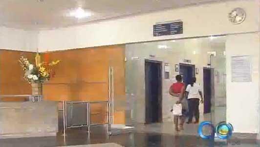 Gobernación gestiona pago de deuda de Caprecom con sus hospitales