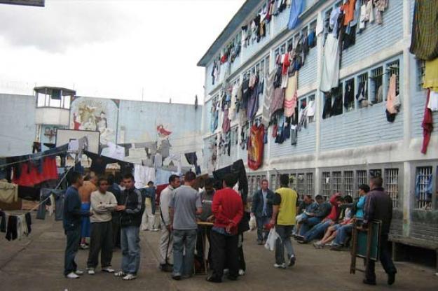 Penitenciaría de Palmira recibe donación de 100 camarotes por parte de la Alcaldía