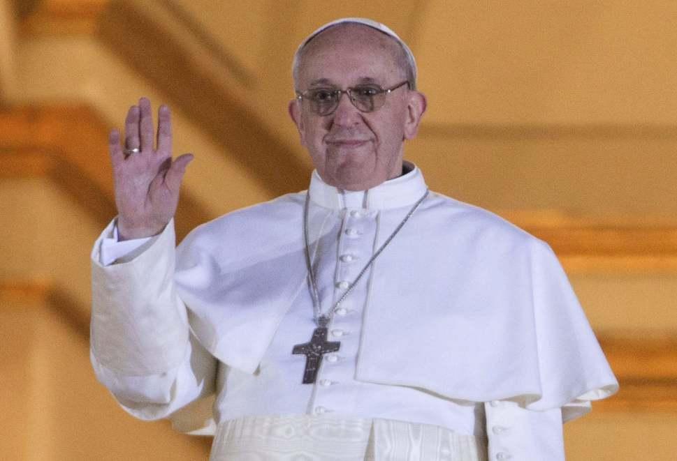 Presidente Santos invitó al papa Francisco a Colombia