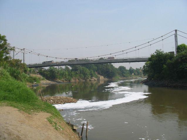 En Juanchito es urgente construir otro puente