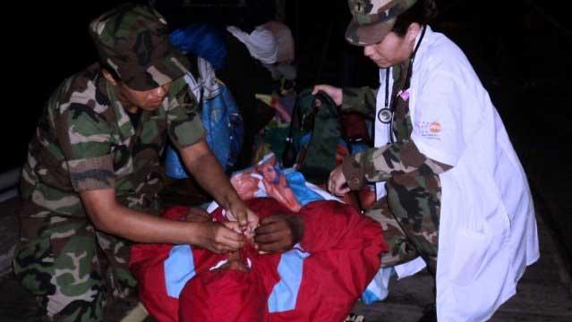 Fuerza Naval rescató 5 panameños perdidos en el Pacífico
