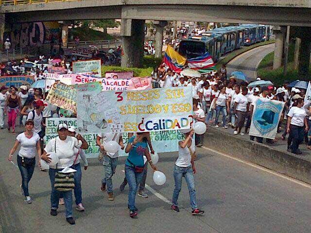 Marcha de estudiantes, busca mejora en educación