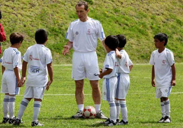 Emilio Butragueño trae a Cali programa 'Cazatalentos' del Real Madrid
