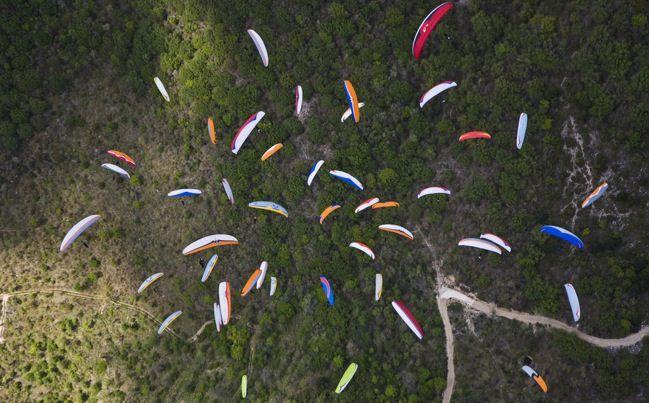 Discreta participación de Colombia en el mundial de parapente