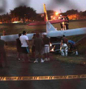 Susto en la Base Aérea de Cali: una avioneta se salió de la pista