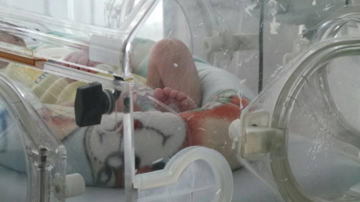Recién nacida abandonada, se recupera en HUV