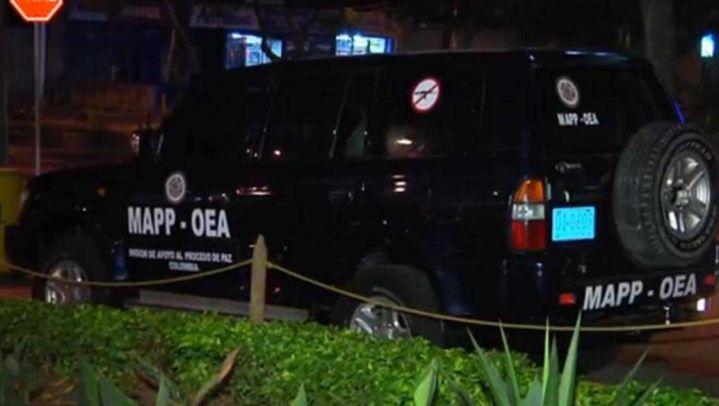 Hallan vehículo con insignias falsas de la OEA en el sur de Cali