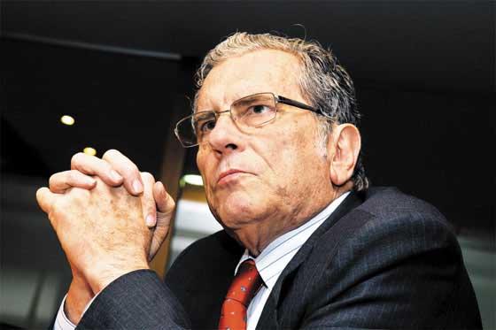 Carlos Holguín Sardi fue intervenido quirúrgicamente