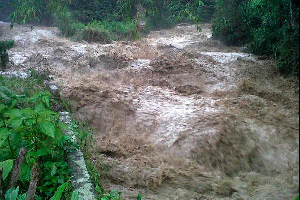 Alerta por fuerte empalizada en el río Pance