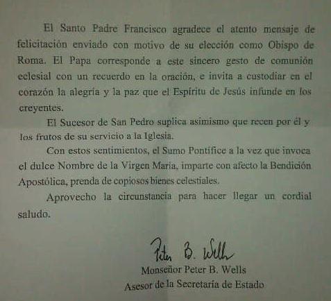 Francisco responde felicitación de jóvenes del barrio Salomia