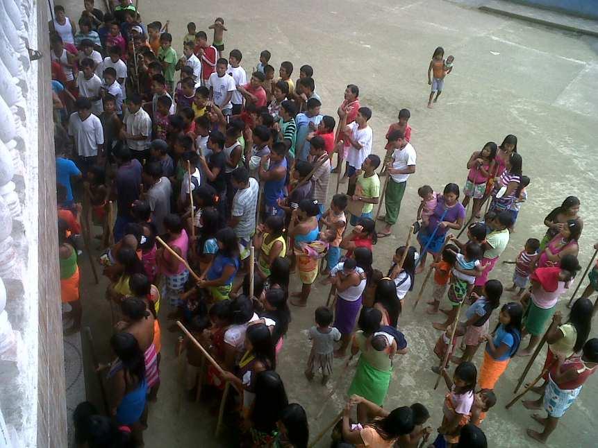Cerca de 300 indígenas se tomaron la Secretaría de Educación