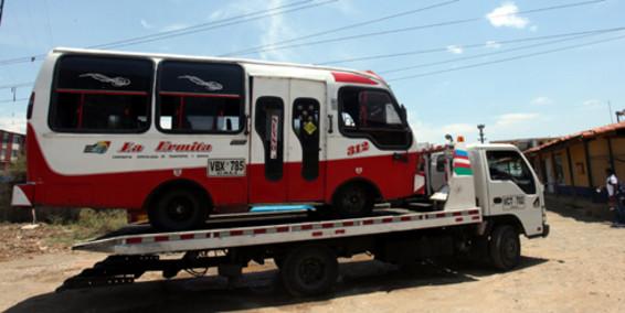Inmovilizan 22 buses en operativos de Tránsito en Cali