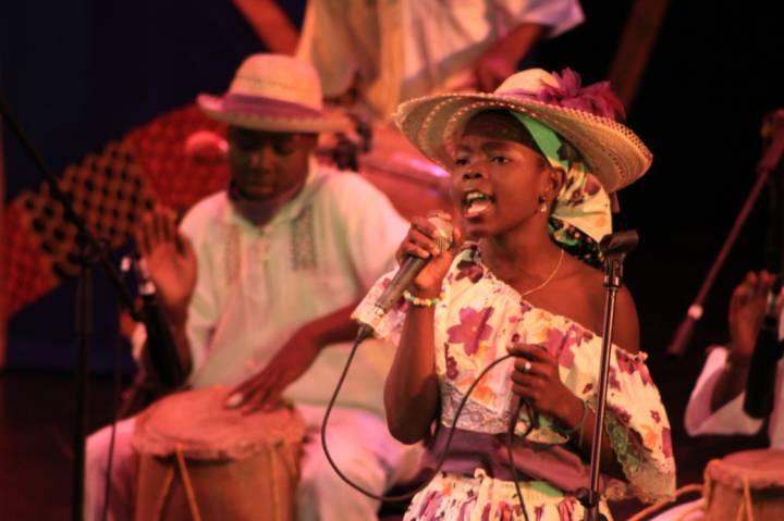El festival de música del pacífico 2013 inicia con El Petronito