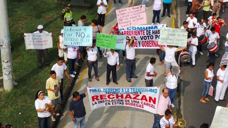 """""""Cacerolazo"""" frente a ILV por traslado de menores infractores"""