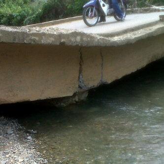 Se desplomó puente que comunica a Corinto con Caloto