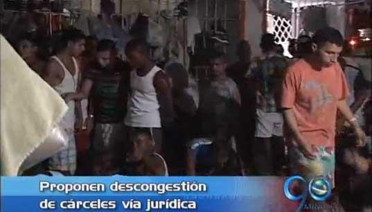 Abogados proponen trabajar gratis para descongestionar cárceles