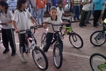 Niños de suroriente del Valle ya no irán a pie a la escuela