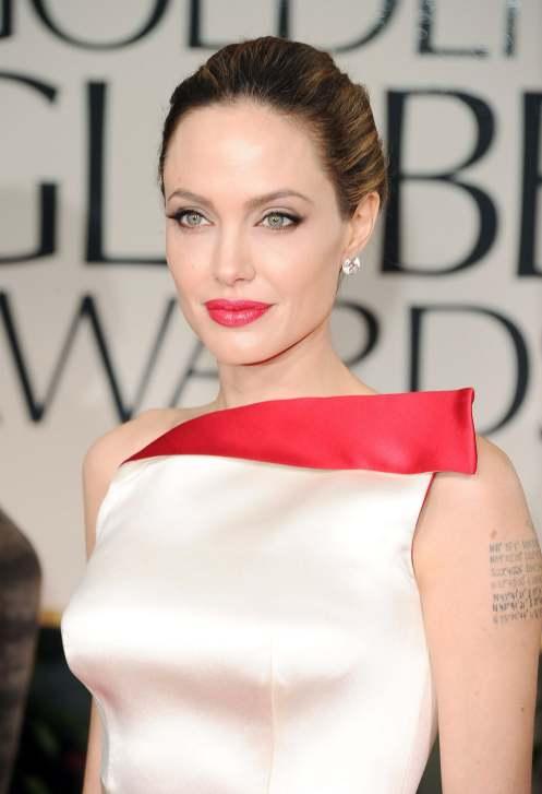 Angelina Jolie se extirpa los senos para evitar cáncer de mama