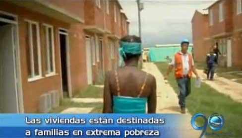 Presidente Santos entrega primeras casas gratuitas en Cali