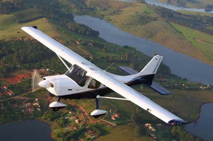 Fuerza Aérea interceptó avioneta que volaba de forma ilegal