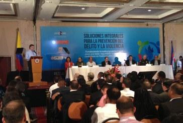 Presidente Santos inaugura encuentro de seguridad en Cali