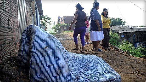 Granizada en Riofrío dejó 80 casas averiadas y árboles caídos