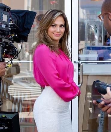 Jennifer López estrenará su estrella en Hollywood