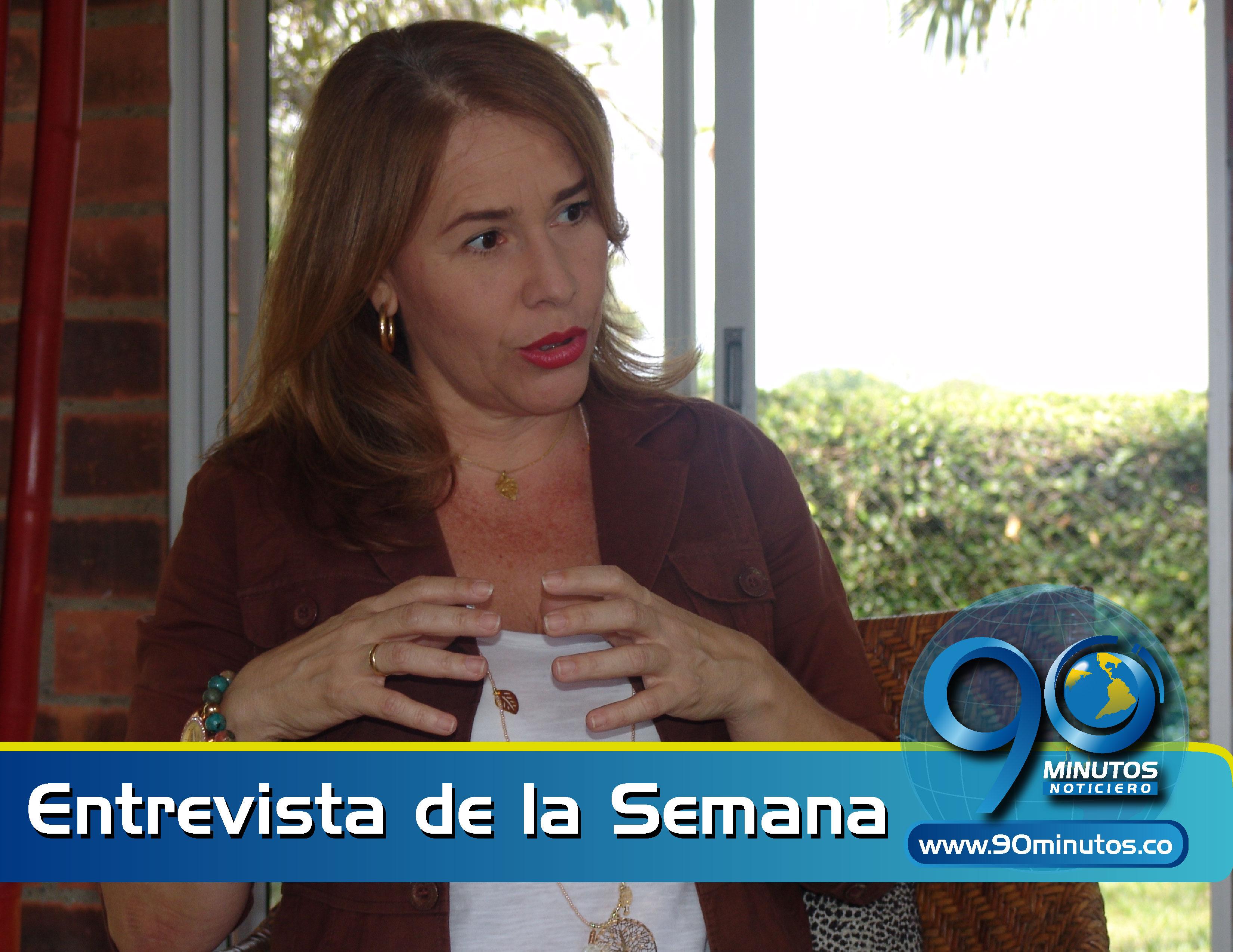 El Estado le dio la espalda a la tv pública: Adriana Santacruz