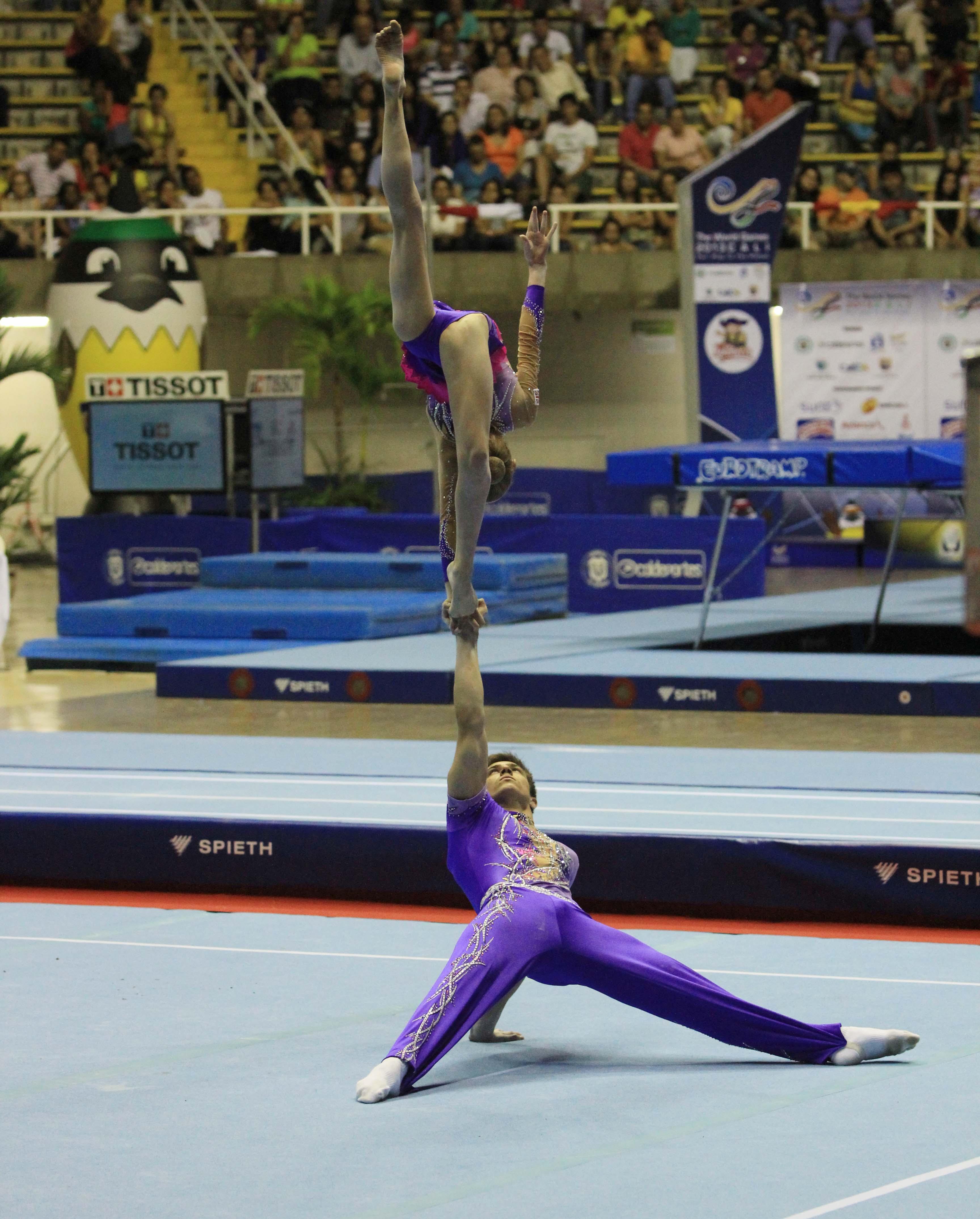 En imágenes: los giros y saltos mortales de la gimnasia de trampolín