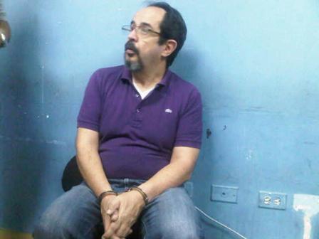 Buscan mujer cómplice de las violaciones del pastor Álvaro Gámez
