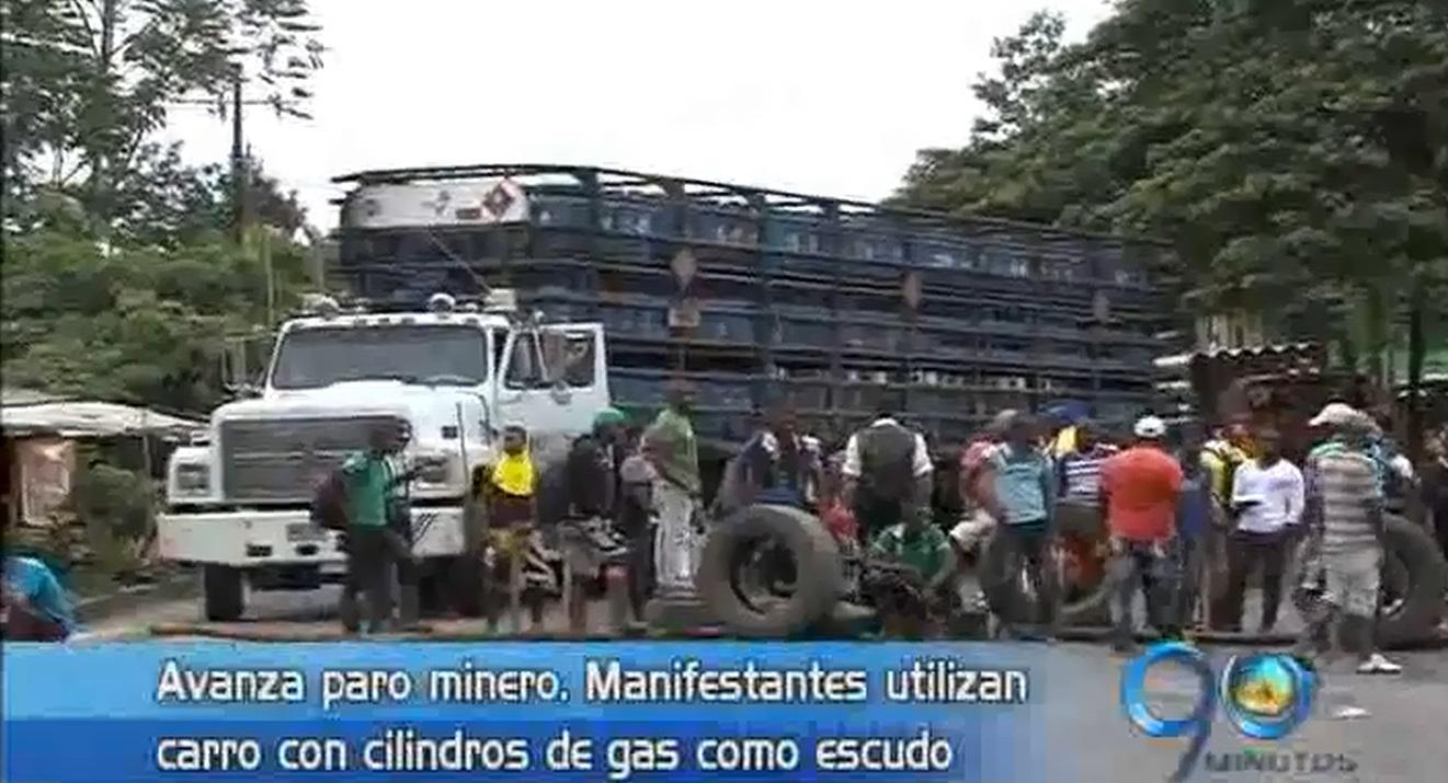 Paro minero tiene bloqueada la vía Cali – Buenaventura