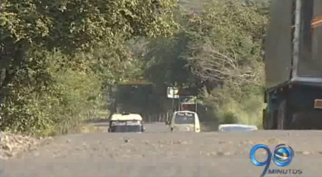 Recursos para mantenimiento de la antigua vía Cali Yumbo podrían perderse