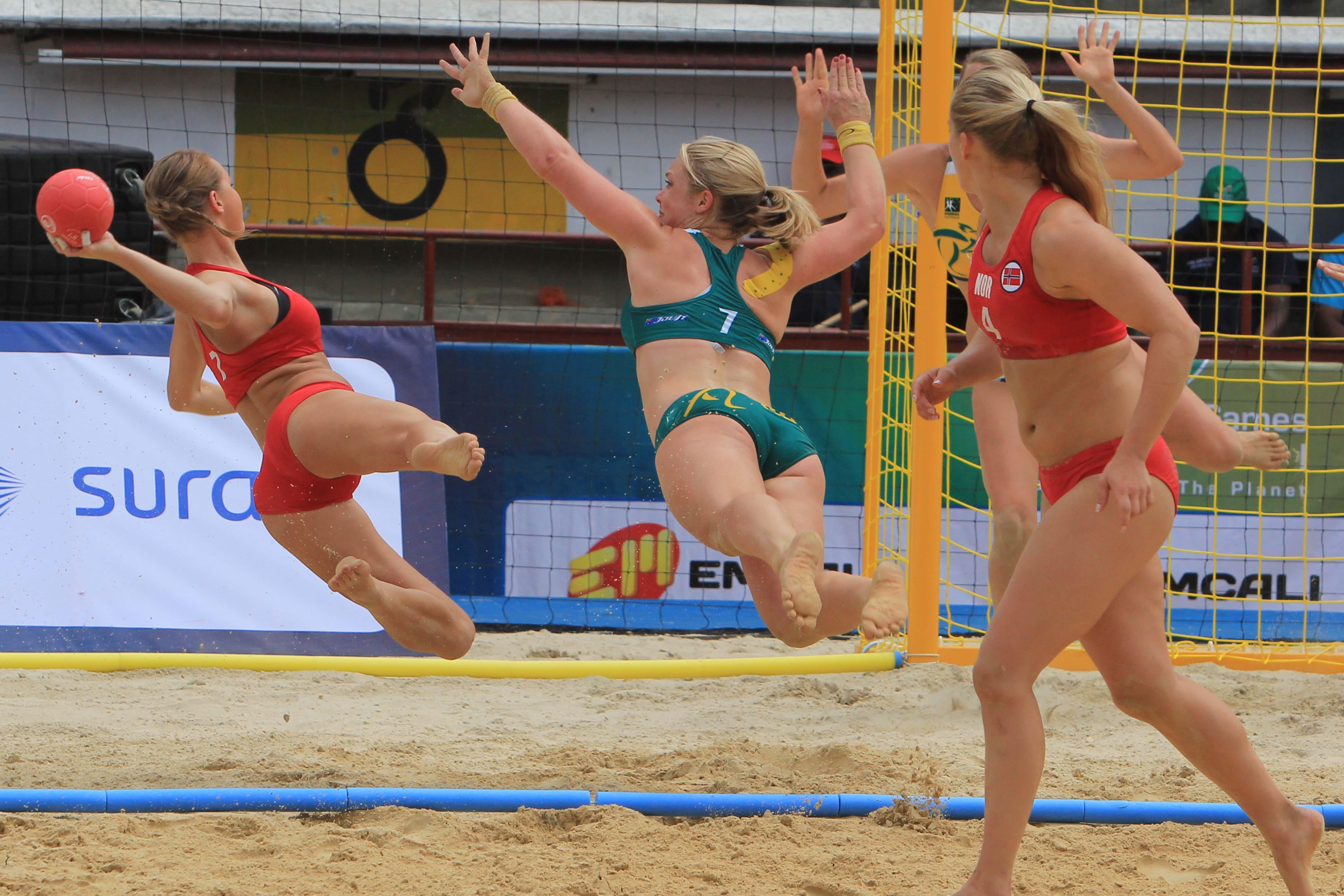 El balonmano de playa pone la emoción en la arena de Cañaveralejo