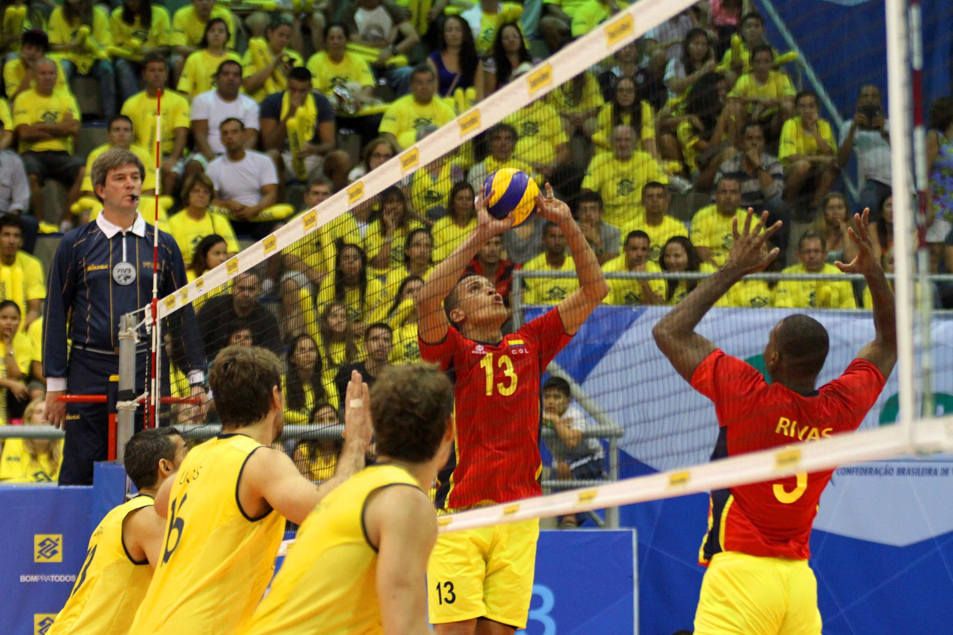 Selección Colombia debutó en el suramericano de mayores masculino