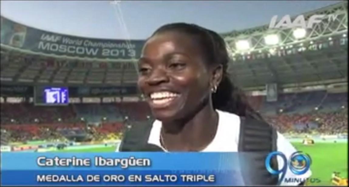 Caterine Ibargüen recibió su medalla de oro en mundial de atletismo Moscú 2013