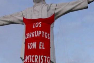 Polémica por protesta que profanó estatua de Cristo Rey