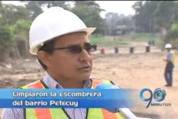 Erradican escombrera del barrio Petecuy