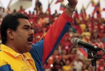 Maduro dice que es venezolano y se defiende de acusaciones