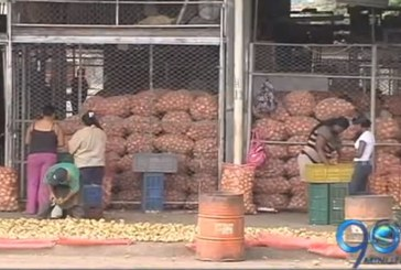Aumentan los precios de alimentos a causa del paro agrario