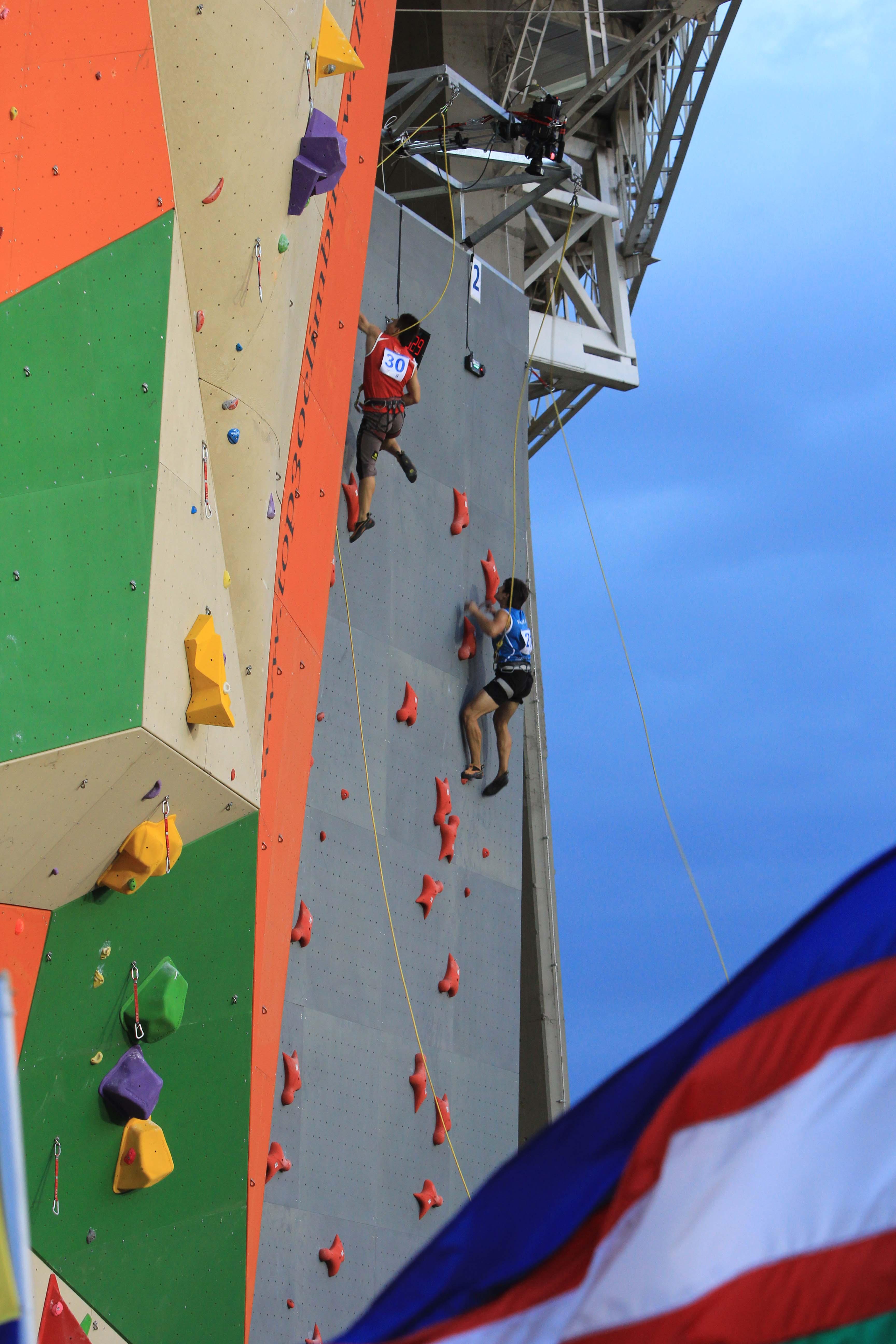 La escalada alcanzó las alturas en los JJ. MM.