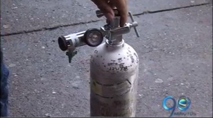 Mujer resultó herida por explosión de pipa de oxígeno dentro de ambulancia