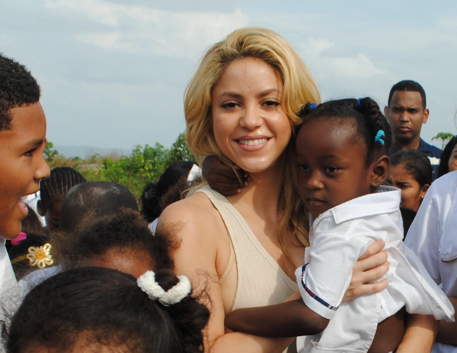 Fundación de Shakira lleva 25 jóvenes a la universidad